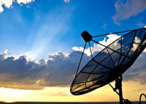 תשתיות חשמל ותקשורת